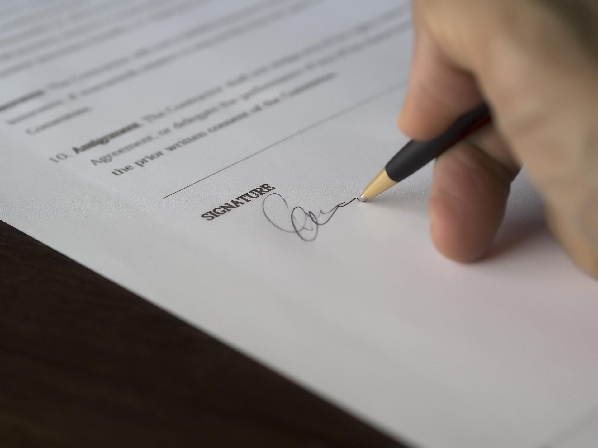 Právne rady pre tvoj business #3: Na čo si dávať pozor v zmluvách? – 1. diel